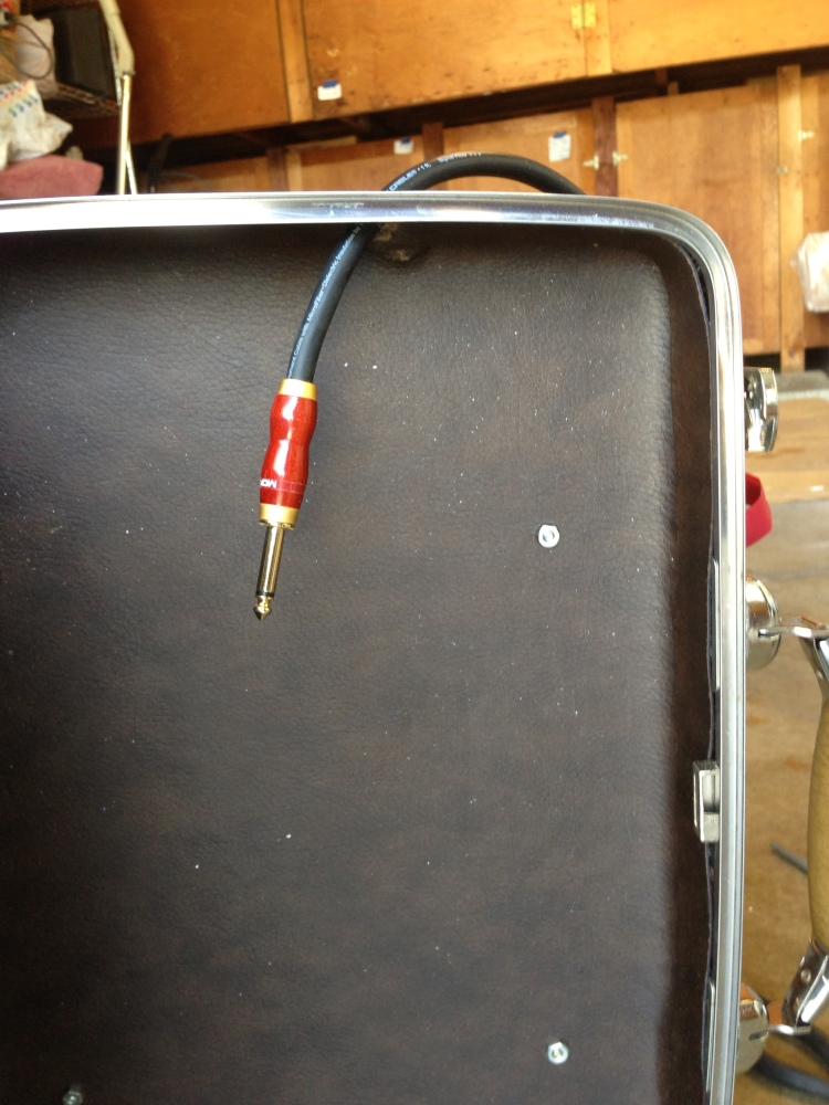 DIY Vintage Briefcase Guitar Effects Pedalboard (PART 2)  (2/6)