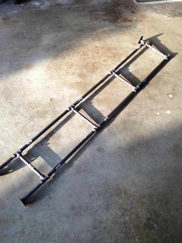 DIY Industrial Pipe Shelf (2/6)