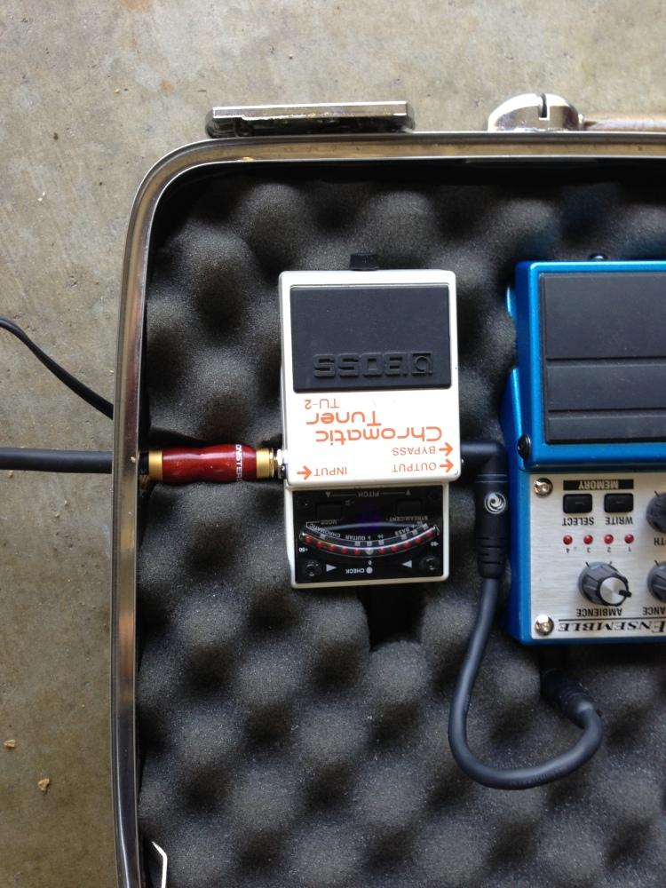 DIY Vintage Briefcase Guitar Effects Pedalboard (PART 2)  (5/6)